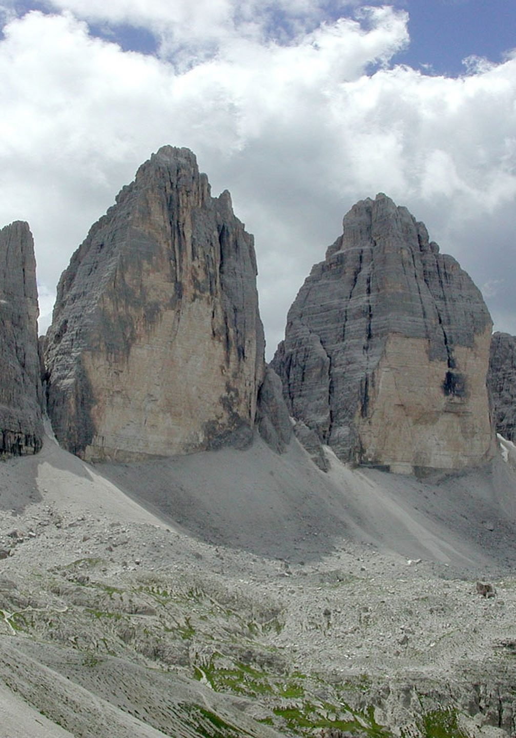 "The Tre Cime di Lavaredo is probably one of the best-known mountain groups in the Alps. They are named, from east to west Cima Piccola / Kleine Zinne (""little peak""), Cima Grande / Große Zinne (""big peak""), Cima Ovest / Westliche Zinne (""western peak"")"